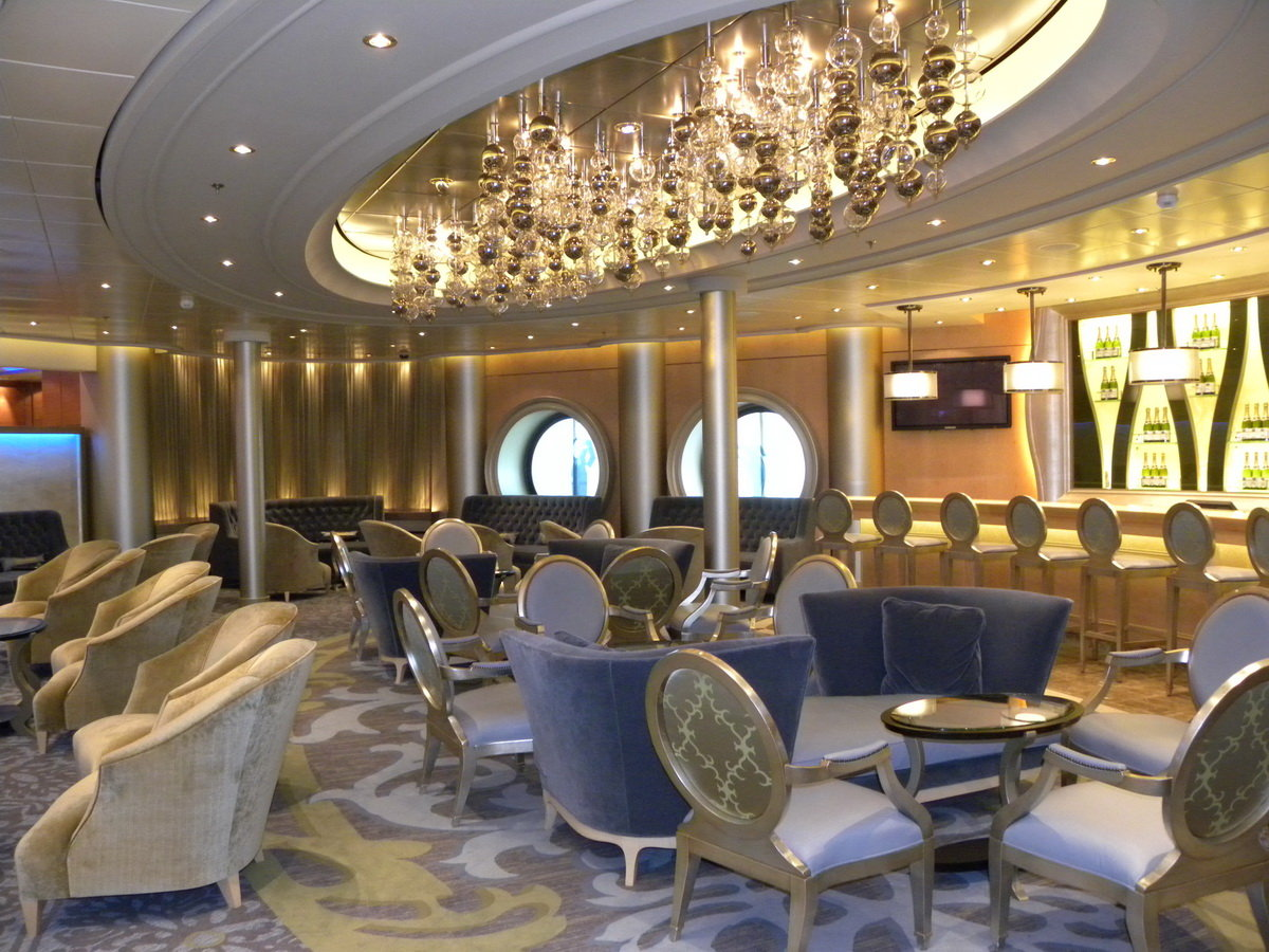 Royal Caribbean Oasis Champagne Bar
